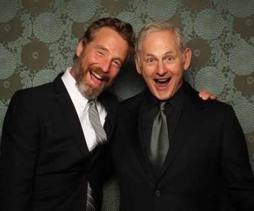 Victor Garber, Rainer Andreesen marry in Canada