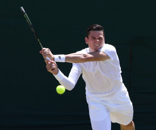 Milos Raonic knocks off Roger Federer to win Brisbane title