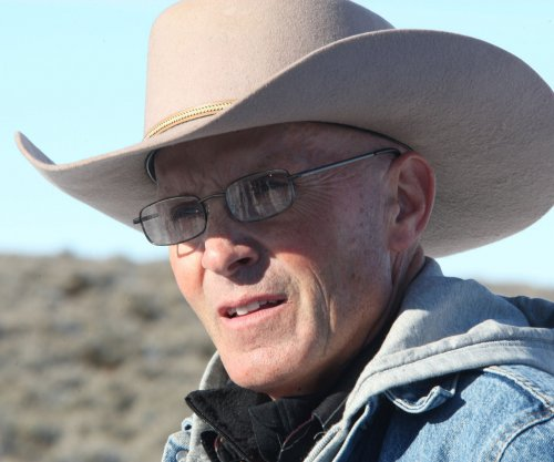FBI agent charged with lying about shooting of Oregon occupier