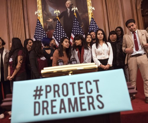 Trump offers citizenship path to Dreamers in exchange for border wall