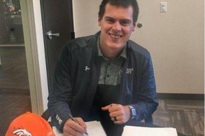 Broncos sign former Colorado State QB Stevens