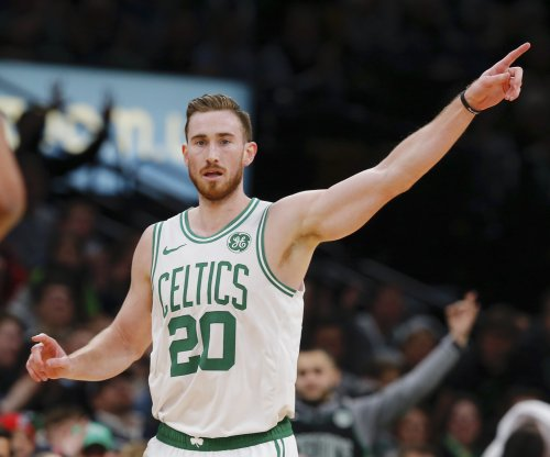 Celtics' Gordon Hayward undergoes surgery on broken hand, out six weeks