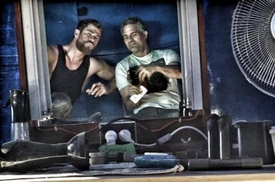 Mark Ruffalo shares 'Thor: Ragnarok' on-set photos featuring Chris Hemsworth