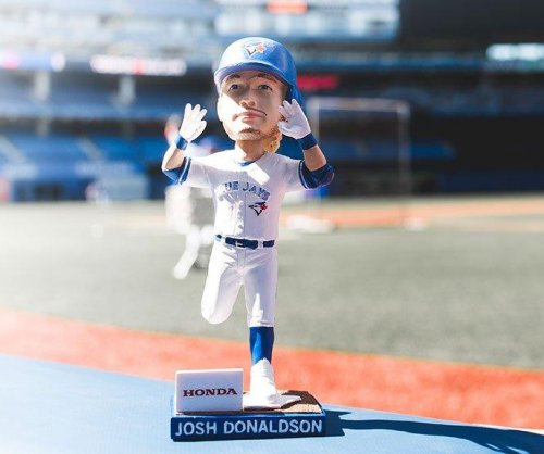 Bobblehead jinx over as Josh Donaldson leads Toronto Blue Jays past New York Yankees