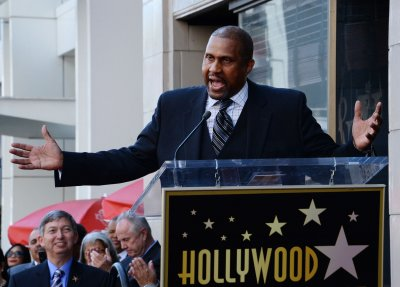 Tavis Smiley gets the boot on 'Dancing with the Stars'