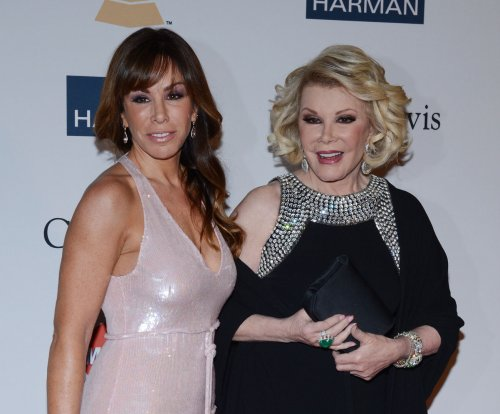 Melissa Rivers sues clinic for fatal procedure on Joan Rivers