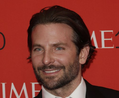 Bradley Cooper, Irina Shayk continue romance in Capri