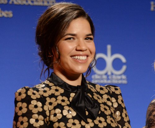 Golden Globes Twitter account confuses Gina Rodriguez with America Ferrera