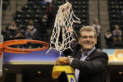 UConn snaps own NCAA mark with 91st in row