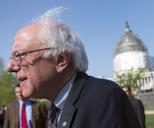 Bernie Sanders, 21 Democrats aim for $15 minimum wage