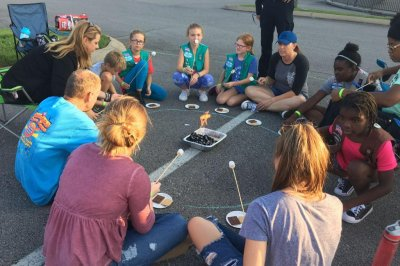 Girl Scouts in Tennessee break s'mores world record