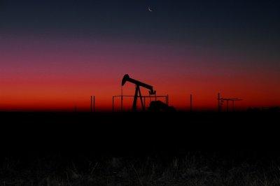 Saudi Arabia struggling to secure OPEC, non OPEC oil production cuts