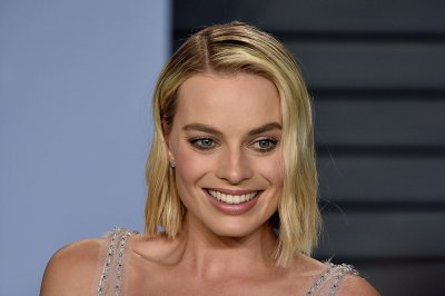 Margot Robbie channels Sharon Tate in 'Once Upon a Time' image