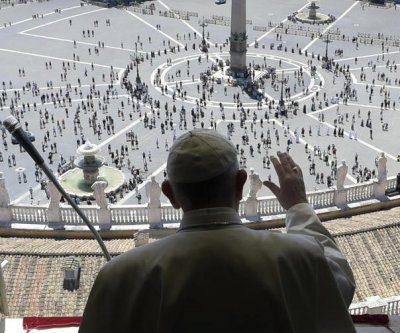 Pope Francis blesses faithful at St. Peter's Square for first time in 3 months