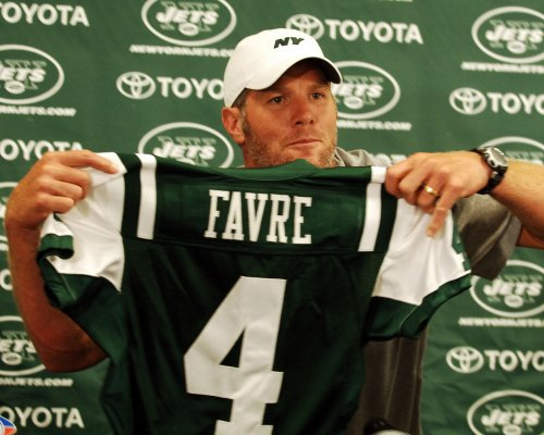 Favre to discuss uncertain Jets future