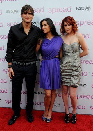 Rumer Willis reflects on Demi Moore, Ashton Kutcher's relationship