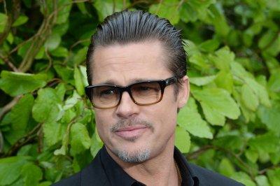 Brad Pitt leads David Oyelowo sing-along at Palm Springs film festival