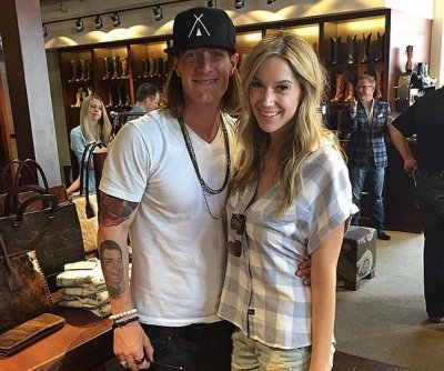 Florida Georgia Line singer Tyler Hubbard weds fiancée