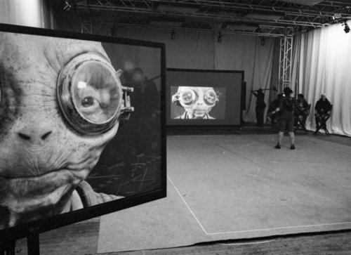 Rian Johnson teases Maz Kanata in new 'Star Wars: Episode VIII' set photo