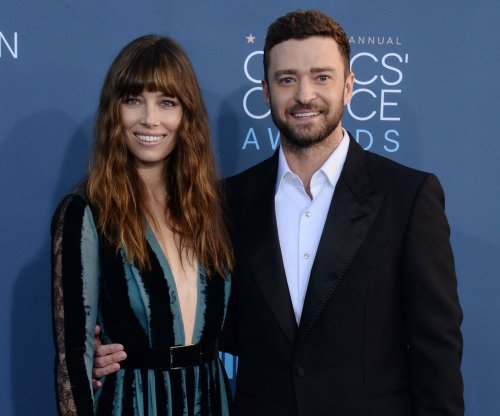Jessica Biel dances for Justin Timberlake at Lakers game