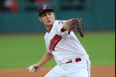 Cleveland Indians squeeze by Baltimore Orioles for 18th straight win