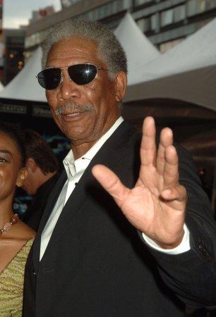 Morgan Freeman breaks arm in car crash