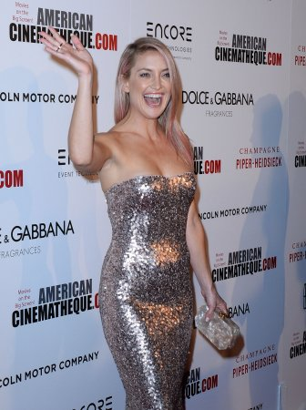 Kate Hudson does spot-on Matthew McConaughey impression