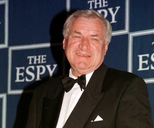 Legendary UNC coach Dean Smith remembered as a mentor