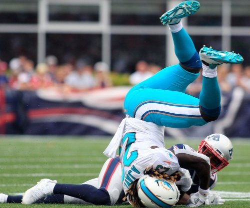 Jay Ajayi's epic performance pushes Miami Dolphins past Buffalo Bills