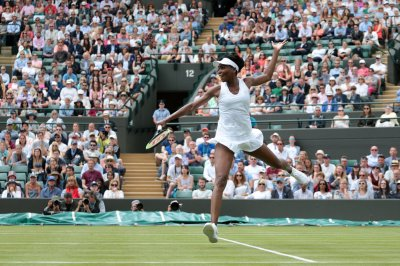 2017 Wimbledon: Venus Williams survives second-round scare