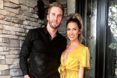 'Bachelorette' alum Shawn Booth speaks out after 'painful' split