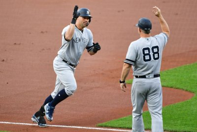 Gary Sanchez's 10th-inning home run leads Yankees over Rays