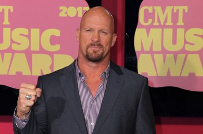 WWE announces special 'Raw Reunion' with Steve Austin, Hulk Hogan