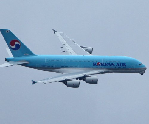 Korean Air vice president resigns after nut spat