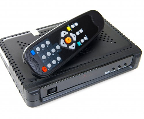 Obama throws support behind cable box competition
