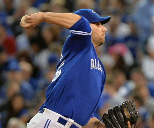Marco Estrada pitches Toronto Blue Jays past Boston Red Sox