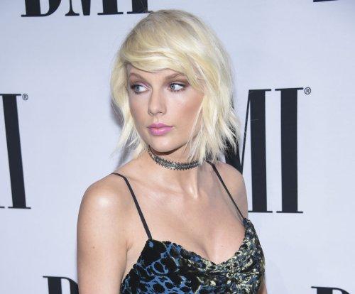 Taylor Swift, Tom Hiddleston get close in Instagram debut