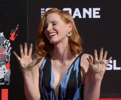 Jessica Chastain gets hands dirty in Hollywood handprint ceremony