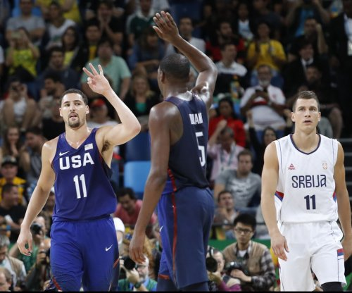 Golden State Warriors' Klay Thompson gets shot at repeat in 3-point contest