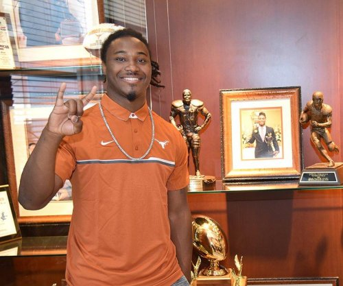 NFL Draft prospect D'Onta Foreman reveals infant son died of infection in November