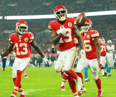 Chiefs defeat Bills for fifth straight win