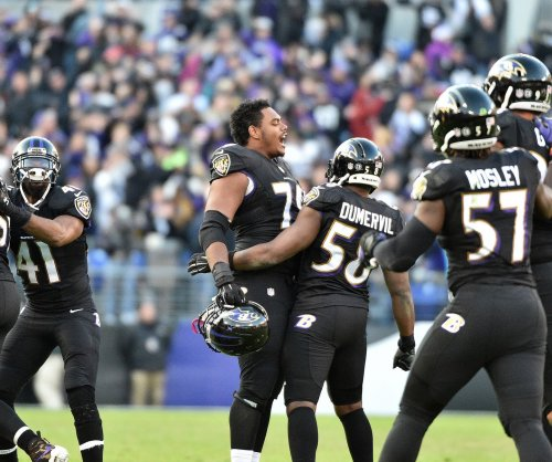 Baltimore Ravens cut Elvis Dumervil