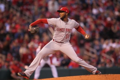 Cincinnati Reds rookie Amir Garrett wins first start against St. Louis Cardinals