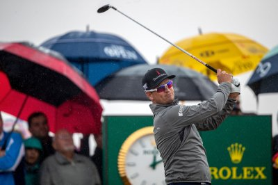 British Open: Zach Johnson drops 100 foot eagle putt