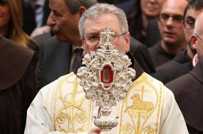 舍利被认为是耶稣的马槽回到伯利恒