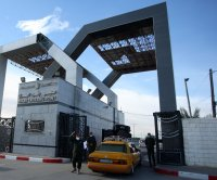 Egypt, Gaza reopen border for three days