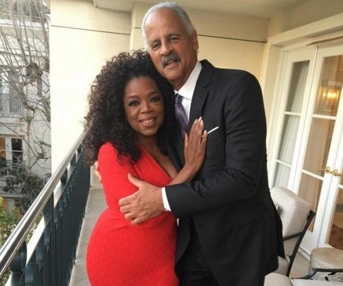 Oprah Winfrey, partner Stedman Graham cozy up in rare photo