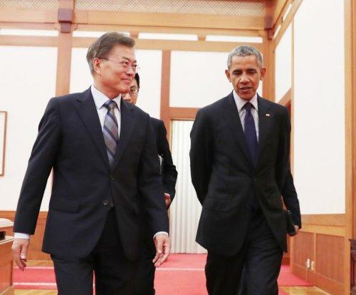 Barack Obama visits Seoul, meets with South Korea's Moon Jae-in