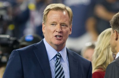 Roger Goodell, owners, select players discuss kneeling during anthem