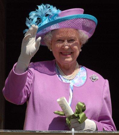 Queen Elizabeth celebrates 82nd birthday